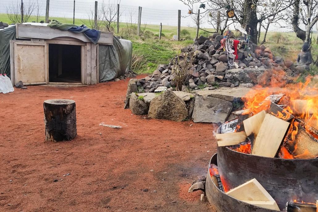 Kai Hellmich Schwitzhütte Brasilien Feuerstelle