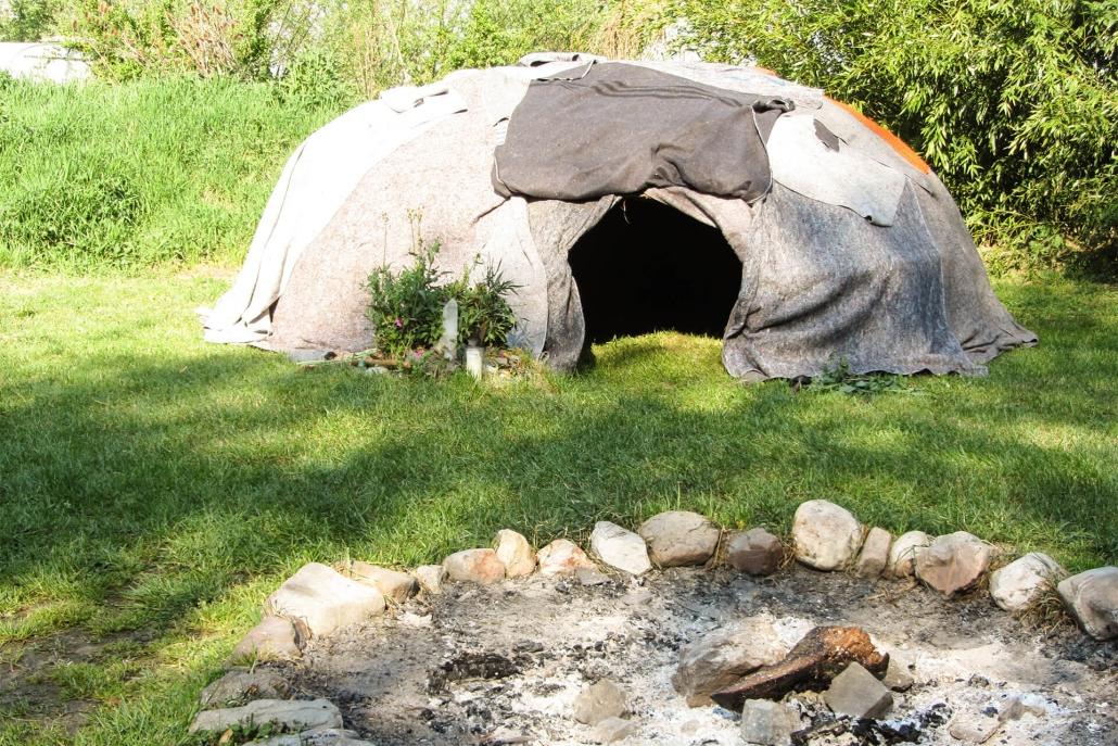 Kai Hellmich Schwitzhütte Feuerstelle